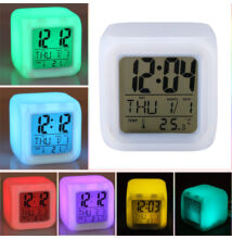 Farebný LED budík s teplomerom