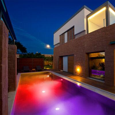 LED osvetlenie bazénov