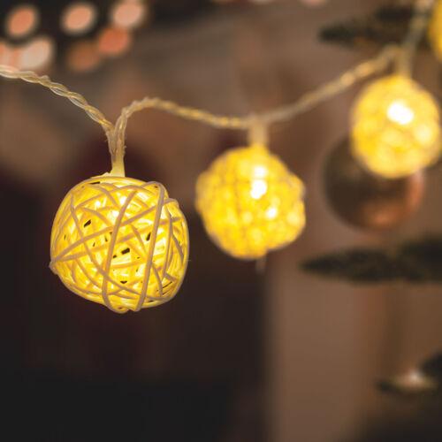 LED sveteľná reťaz rattanové lopty teplá biela 2 x AA 1,35 m