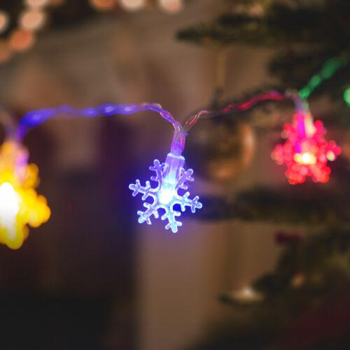 LED sveteľná reťaz ľadový krištál 20 LED multicolor 3 x AA 2,3 m